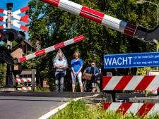 Kritiek op communicatie gemeente Voorst over sluiting spoorwegovergangen: 'Absurd hoe het nu gaat'