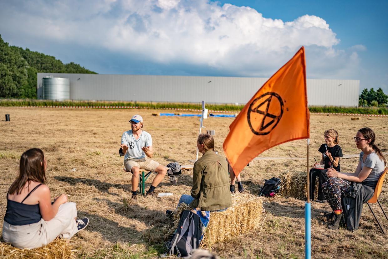 Extinction Rebellion houdt enkele dagen een demonstratie in de vorm van een klimaatkamp. Beeld Joris van Gennip