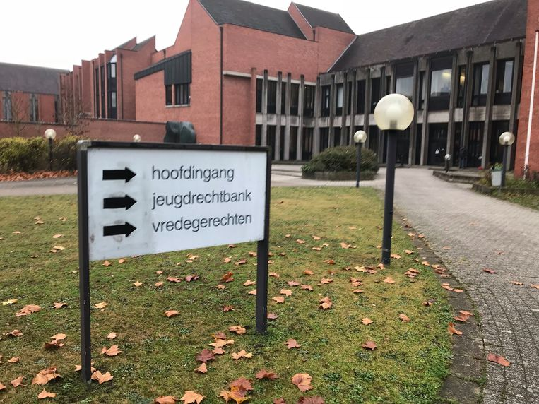 De zaak werd gepleit in de rechtbank van Brugge.