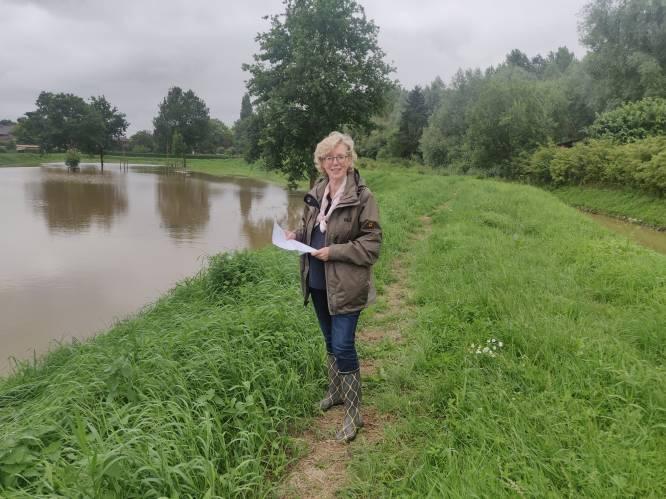 Veerle Heeren (CD&V), opnieuw aan de slag als burgemeester, bezoekt gebieden die getroffen werden door de zware regenval