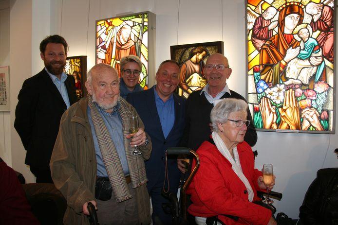Glasramen en tekeningen van de vroegere plaatselijke kunstenaar Eduard Van Rompuy stonden centraal.
