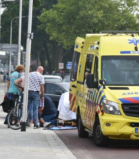 Vrouw gewond na harde val met elektrische fiets in Vroomshoop