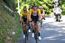 Tom Dumoulin sleurde op kop voor Primoz Roglic in de Ronde van l'Ain.