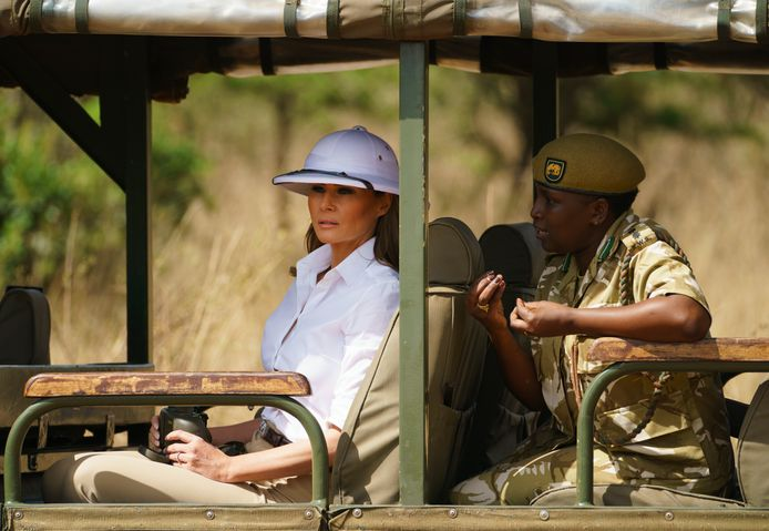 Melania Trump op safari in het Keniaanse Nairobi National Park.