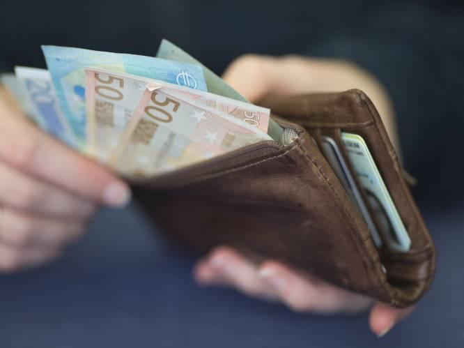 Lonen en extralegale voordelen stijgen tijdens coronacrisis: zoveel verdient Belg gemiddeld