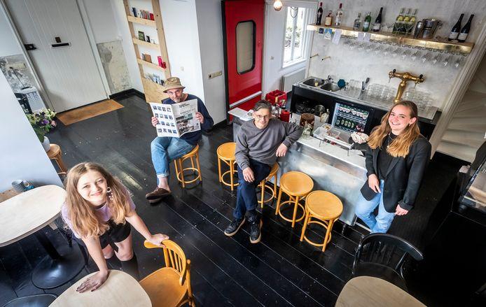 Designers (vlnr) Luca Claessen-Halden, Lucas Maassen, Francois Chambard en Jip Geven in de voormalige kosterwoning bij de Catharinakerk.