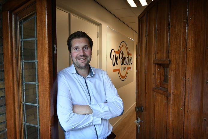 Guus Weusthof, de nieuwe beheerder van kulturhus De CoCer in zijn woonplaats Rossum.