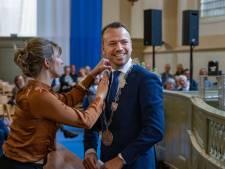 'Vrolijke' Sander de Rouwe (40) geïnstalleerd als burgemeester van Kampen