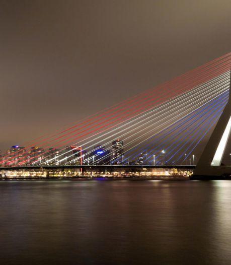 Daarom kleurt de Erasmusbrug vanavond rood-wit-blauw