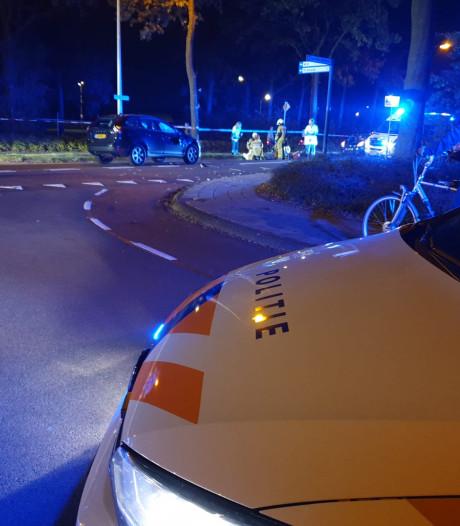 Twee fietsers gewond na botsing met auto in Borne