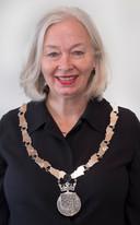 Burgemeester Marriët Mittendorff droeg voor het eerst officieel de nieuwe ambtsketen.