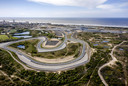 Een dronefoto van het circuit van Zandvoort. Het eerste weekend van mei zou de Formule 1 Grand Prix op het circuit verreden worden, maar dat is vanwege het coronavirus afgelast.