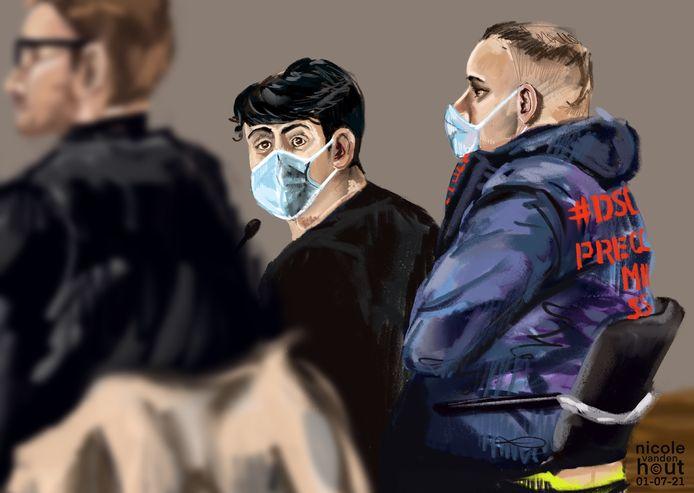 De broers R.S. (links) en L.S. twee weken geleden in de rechtbank in Zwolle. Ze zijn veroordeeld tot celstraffen vanwege de handel in drugs in de regio Zwolle.