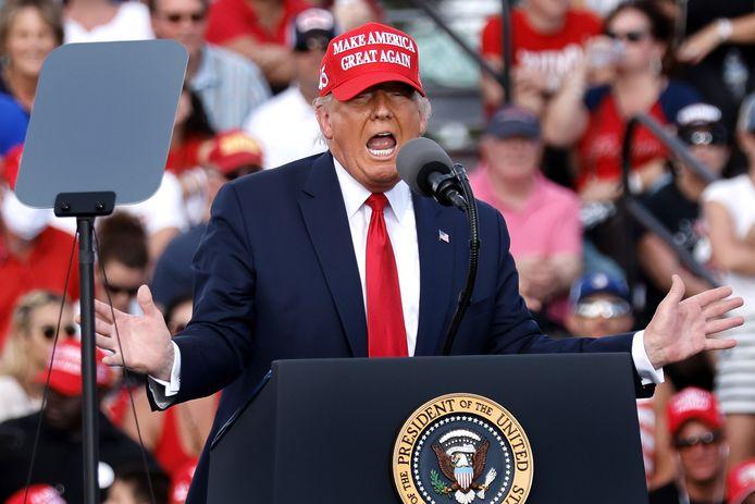 Donald J. Trump lors du grand rassemblement au stade Raymond James de Tampa en Floride.