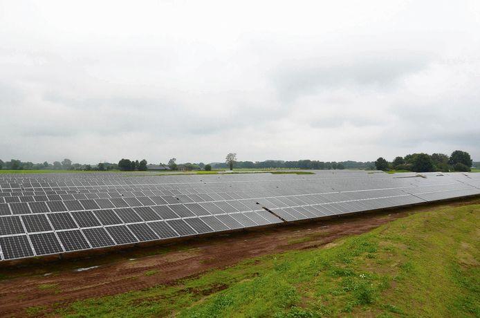 Als alle bedrijven hun plannen uitvoeren, ligt de hele gemeente Haaksbergen straks vol zonnepanelen. Met meerdere lagen over elkaar.