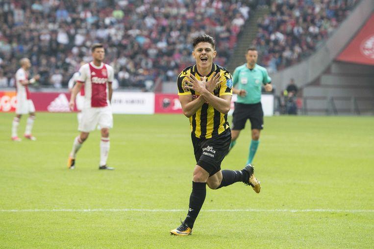 Milot Rashica juicht na zijn doelpunt voor Vitesse Beeld ANP Pro Shots