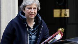 Theresa May vraagt EU-landen om ook Russische diplomaten uit te wijzen