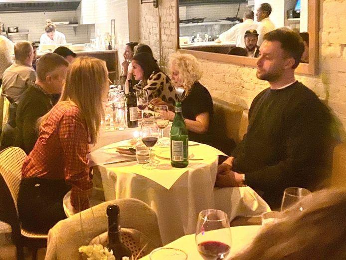 Le couple a été surpris en train de diner dans un restaurant de New York vendredi dernier.