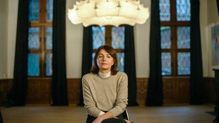 Ines De Vos, vrouw van Bart De Pauw, in 'Telefacts Nu'.  Beeld VTM