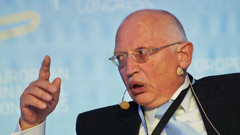 Ex-eurocommissaris Günter Verheugen verschijnt dinsdagmiddag voor de Europarlementaire commissie die het sjoemelsoftware-schandaal onderzoekt. Beeld epa
