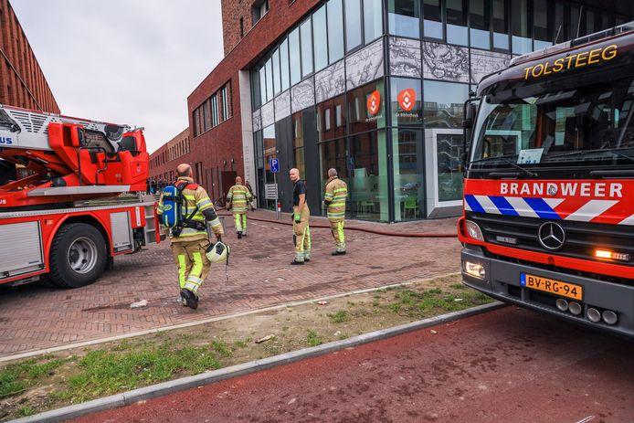 UTRECHT - Zaterdagmiddag 2 maart rond 15.40 uur is brand ontstaan in een appartementencomplex aan de Amerikalaan in Utrecht. Hoe de brand is ontstaan is niet duidelijk. Er zijn geen gewonden gevallen.