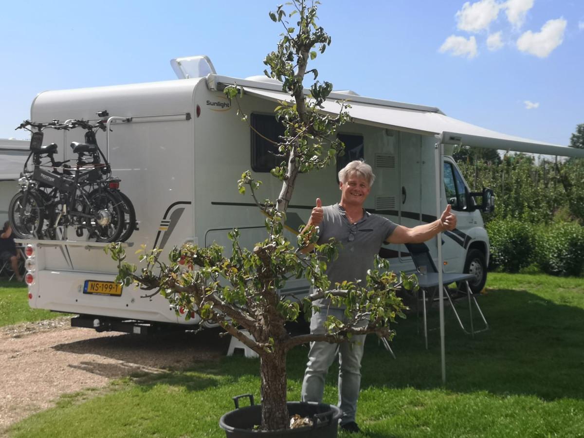 Jolanda Leijdens' partner is dik tevreden over de gevonden camperplaats