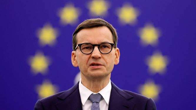 """Le Premier ministre polonais dénonce """"un pistolet braqué sur la tempe"""" de son pays par l'UE"""
