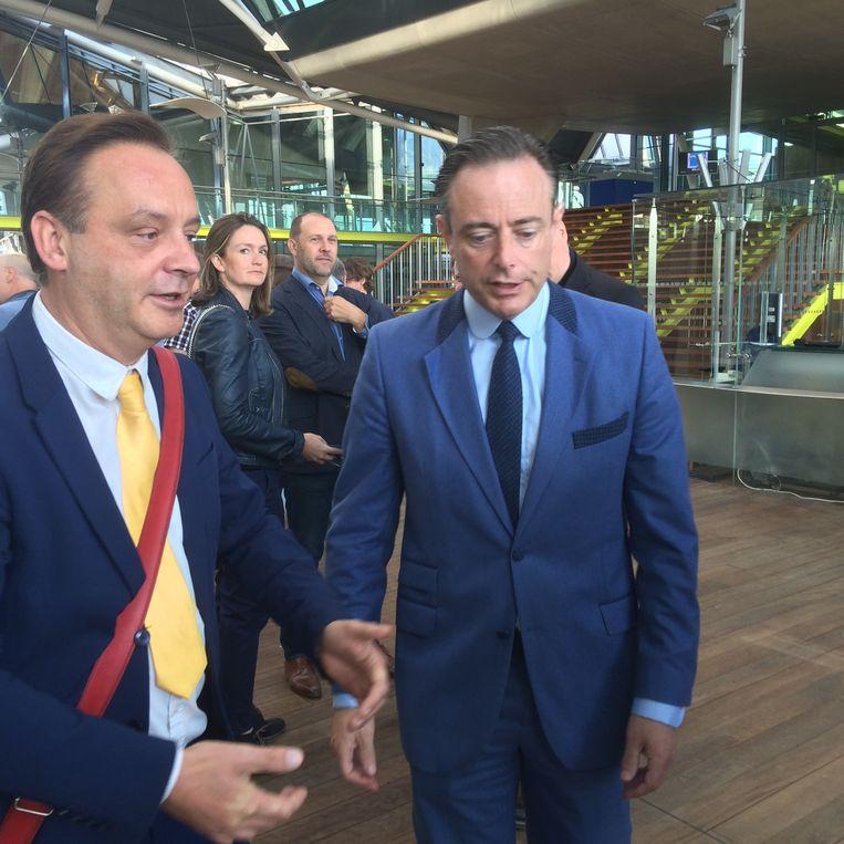 Geert Beullens van lijst BDW daagt Bart De Wever uit voor de gemeenteraadsverkiezingen.  Beeld MLS