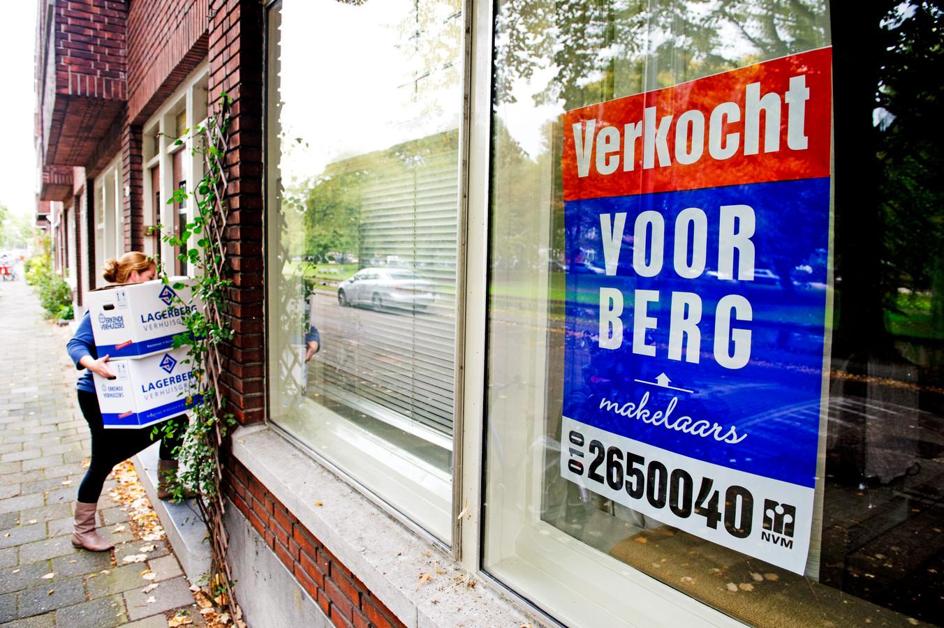 Het kabinet schrapt op Prinsjesdag de overdrachtsbelasting voor starters op de woningmarkt.