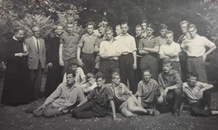 In 1958 kregen de fraters van Tilburg op hun kweekschool voor het eerst met 'externen' te maken.