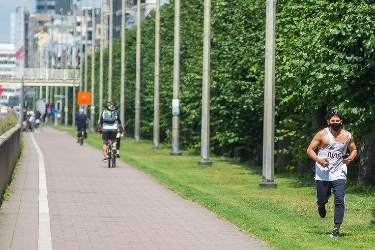 Op de algemene mondmaskerplicht in de provincie Antwerpen komt een uitzondering voor intensief sporten. Beeld Klaas De Scheirder