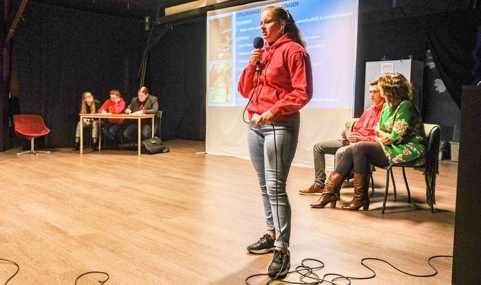 In het college in Ieper werd een leerlingenparlement georganiseerd.
