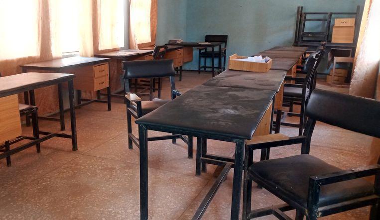 Foto van een klaslokaal van de kostschool in het Kankara-district, na de aanval waarbij honderden kinderen zijn verdwenen. Beeld REUTERS