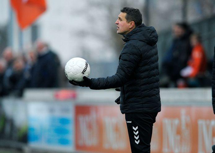 Sliedrecht-trainer Dennis van der Steen zag zijn ploeg dinsdagavond met 2-0 verliezen van Sparta Nijkerk.