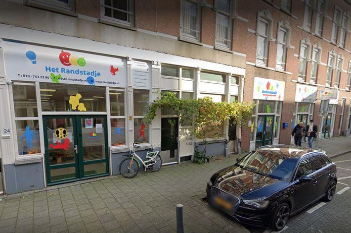 Het Randstadje in Rotterdam wil onafhankelijk onderzoek naar de gedragingen van drie belastinginspecteurs.