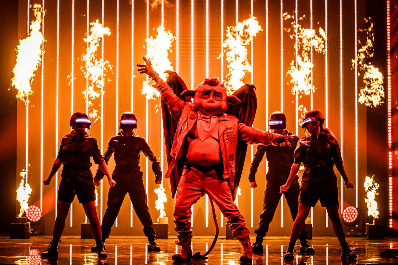 The Masked Singer; seizoen 1, aflevering 3 op vrijdag 2 oktober 2020 bij VTM. Op de foto: Duiveltje Beeld VTM
