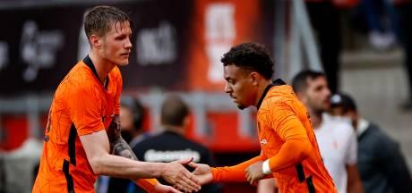 Poll | Malen of Weghorst? Wie moet er in de spits staan in de achtste finale?