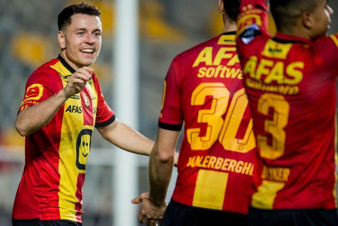 Kerim Mrabti met het vuistje voor Jordi Vanlerberghe.