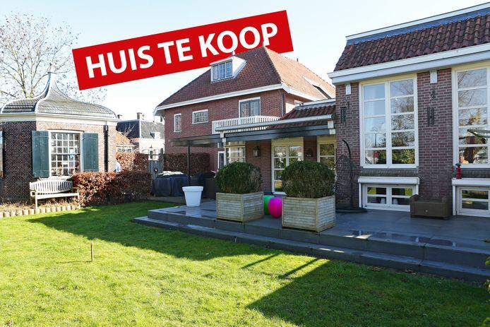 Huis te koop: Raadhuisstraat 19 in Linschoten. Vraagprijs: 950.000 euro.