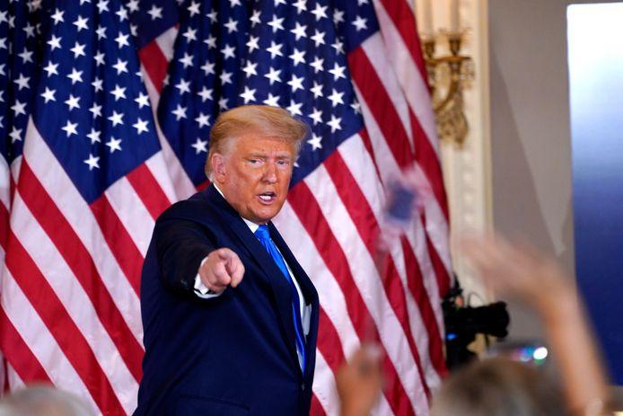 Hoewel er nog miljoenen stemmen moeten worden geteld, claimde Trump woensdagmorgen al de overwinning. Ook beweerde hij zonder enig bewijs dat er is gefraudeerd.