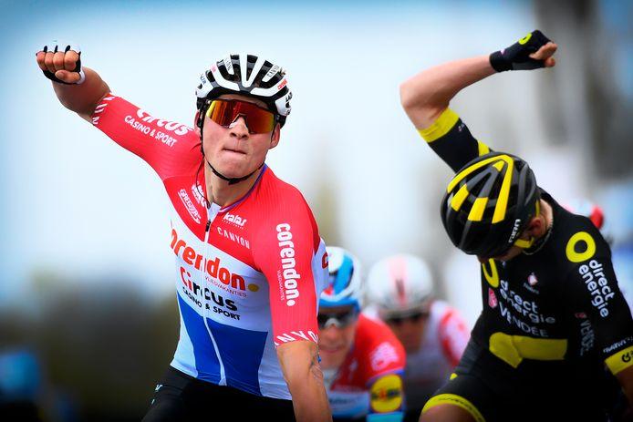 Mathieu van der Poel won Dwars door Vlaanderen