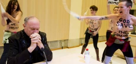 "Les Femen ""accueillent"" Mgr Léonard seins nus à l'ULB"