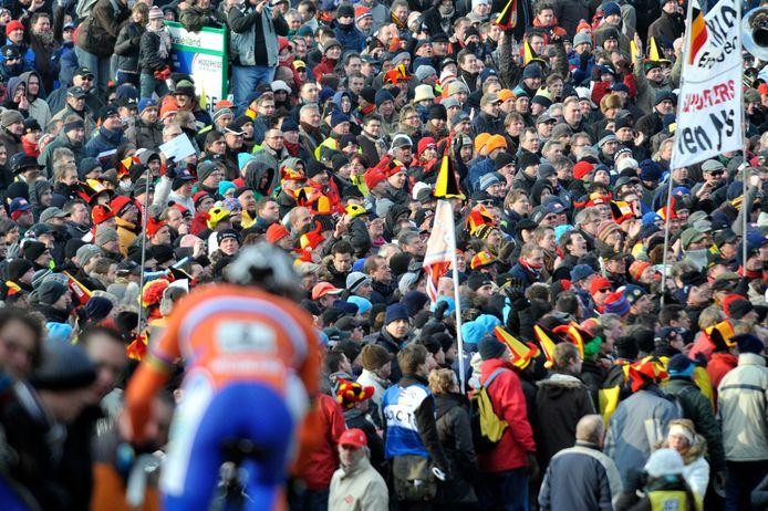 Tijdens het WK veldrijden in Hoogerheide in 2009 kwamen vele tienduizenden toeschouwers op het evenement af. f