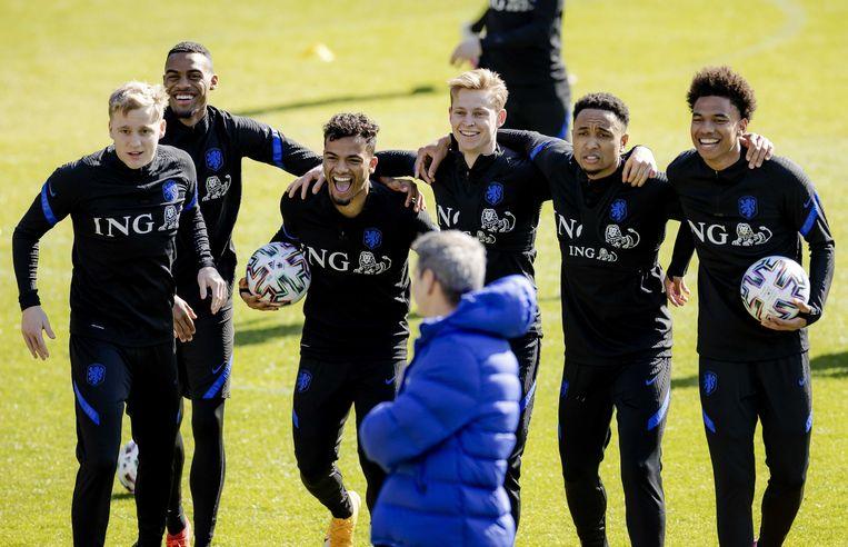 Oranje op de training voorafgaand aan de wedstrijd tegen Gibraltar. Beeld ANP