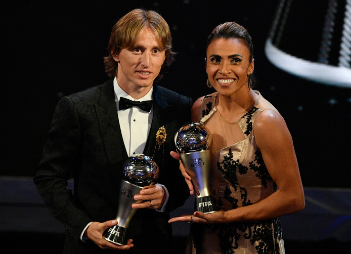 Modric met Marta, die de prijs bij de vrouwen won.