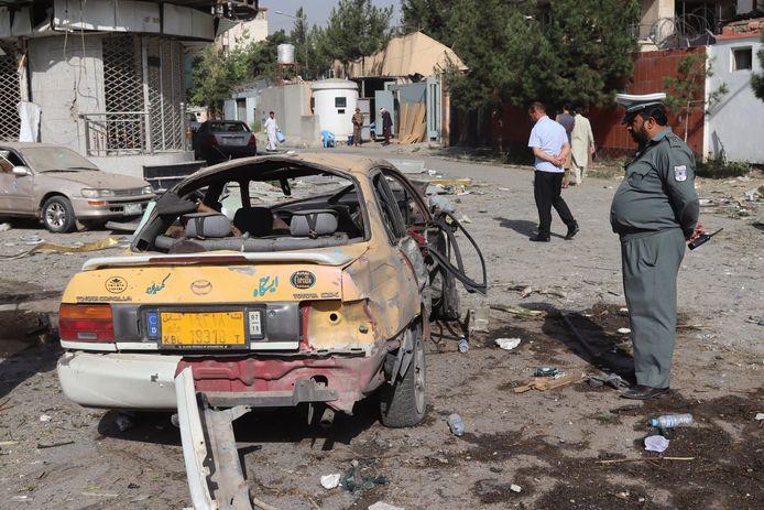 Afghaanse veiligheidsagenten bewaken voortaan het huis van de minister van Defensie, Bismillah Khan Mohammadi.