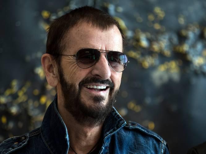 """INTERVIEW. Ringo Starr nam noodgedwongen nieuwe muziek op: """"Afgelopen jaar ben ik acht keer het huis uitgeweest"""""""