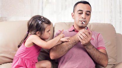 """""""Papa, mama: als jullie stoppen met roken, doe ik alle dagen de afwas"""""""
