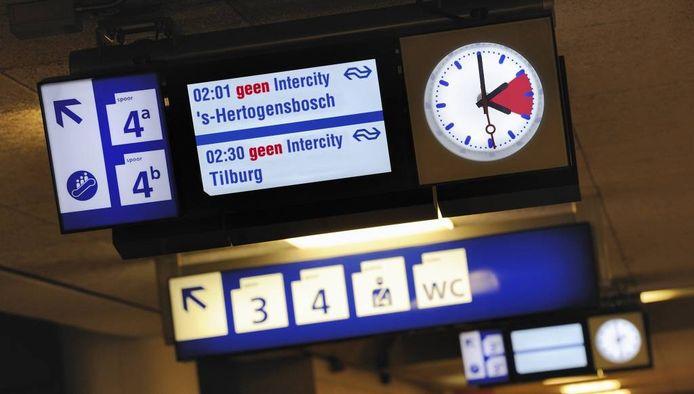 Zo wordt het straks waarschijnlijk: geen treinen na 2.00 uur.
