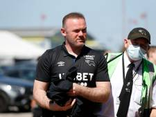 Wayne Rooney in opspraak na foto's met schaars geklede dames: 'Ik ben erin geluisd'